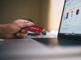 Fördelarna med kreditkort när du handlar på nätet